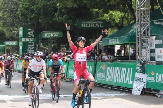 Yeny Colmenares se deja el título de la Vuelta Femenina, Jannie Salcedo gana la última etapa