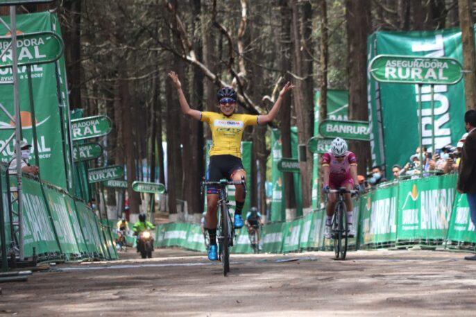 Yeny Colmenares conquista el Cerro el Baúl y recupera el liderato, Gaby Soto terminó quinta.